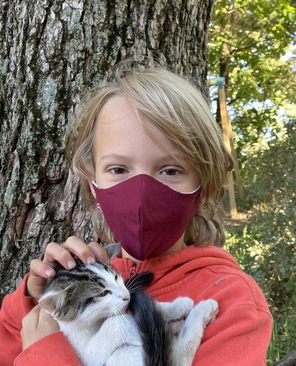 large kids mask maroon